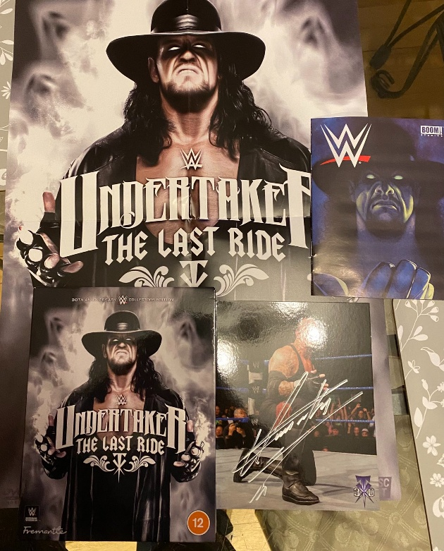 WWE 'Undertaker: Last Ride' Blu-ray UK Collectors Edition - Photo of Contents